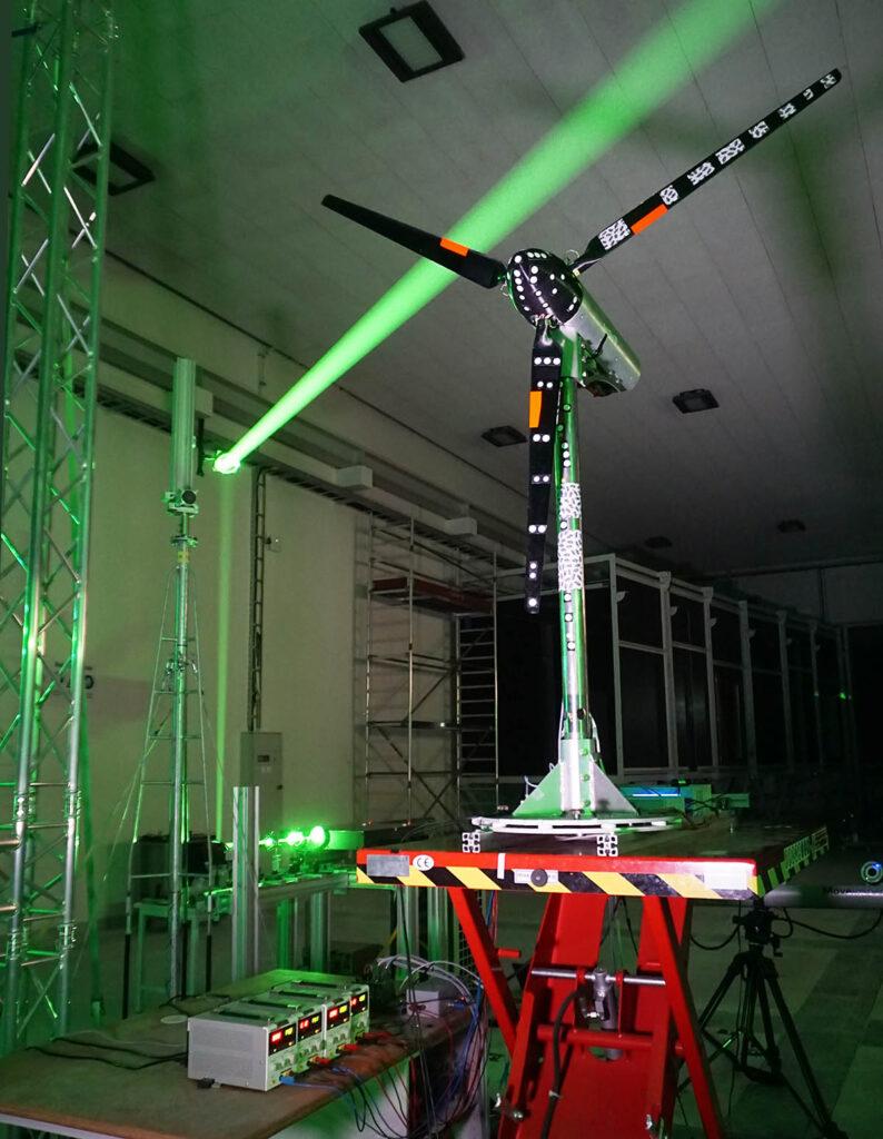 Referenzturbine im Oldenburger Windkanal, Basis der Forschung, kleine Windkraftanlage